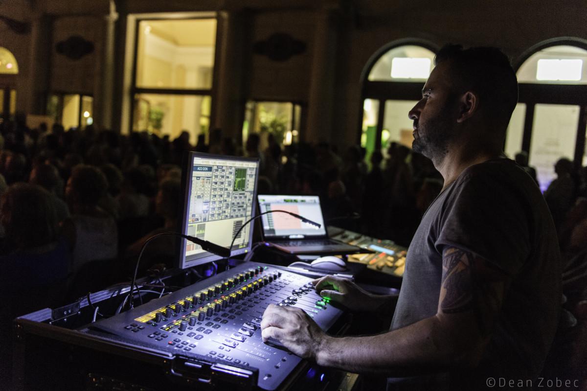 Canto libero #10. Intervista a Riccardo Carioti